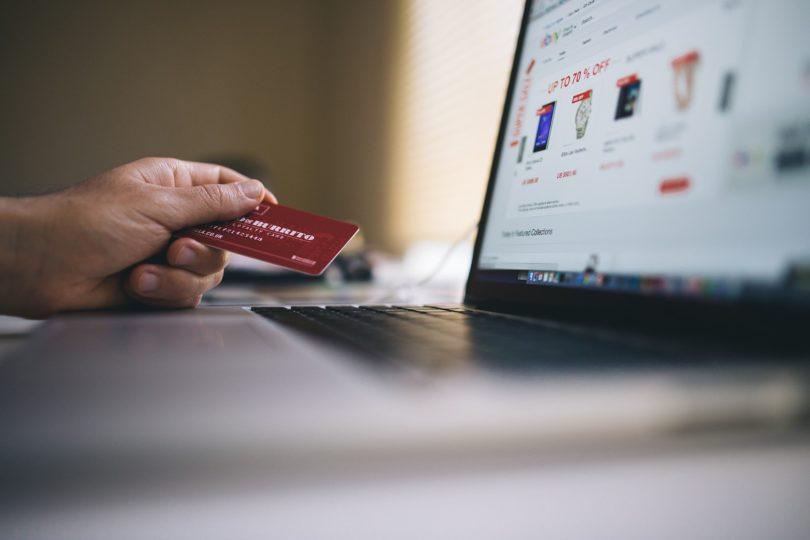 Bargeldlos zahlen mit Karte