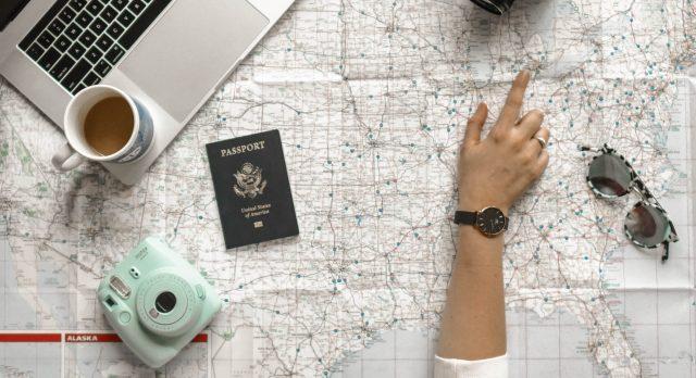 Flug, Reise und Urlaub buchen